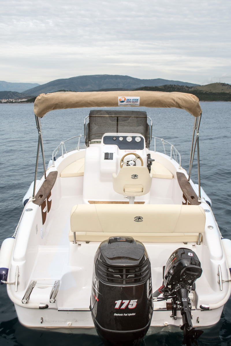 Top Gun 175 HP Luxury 9 Pax - San Stefano Boats - Corfu Boat Hire
